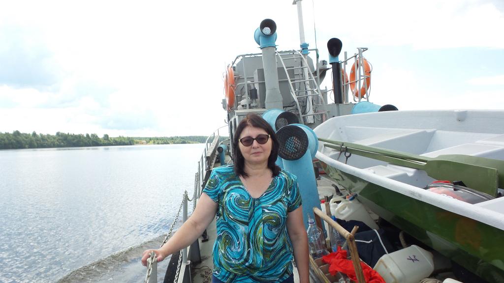 Фото 2_в.н.с. И.Л. Григорьева_на отборе_на_Угличском_водохранилище.jpg